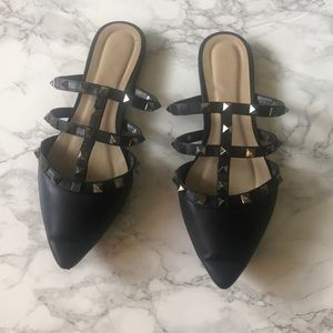 Wild Diva Pointed Flats with Studs in black